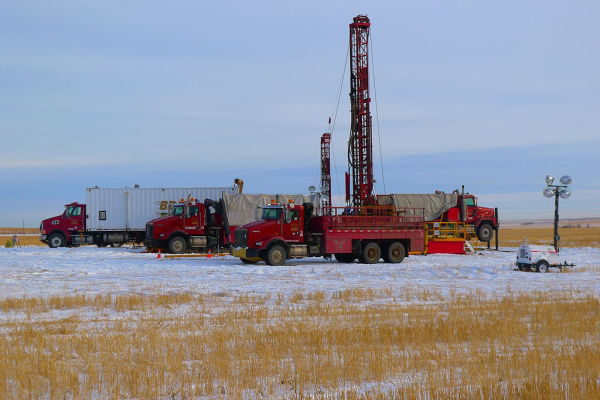 Bertram drilling's oil sands corings working in the oil sands basin in Alberta | Energold-company via Wikimedia Commons