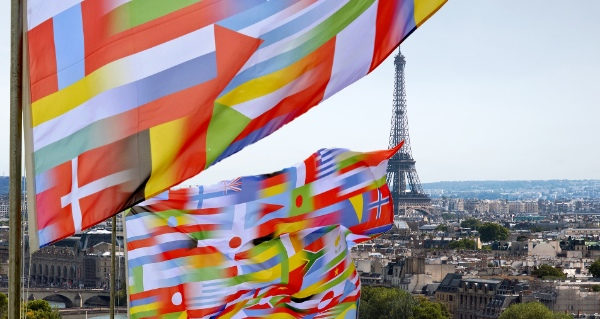 flags_paris