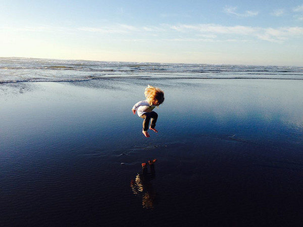 Jumping Josephine! by Amanda Smith/USFWS | Long Beach, Washington | Flickr | CC BY 2.0