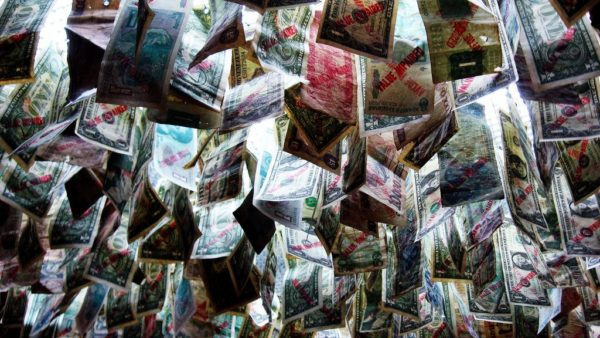 Currencies by 16:9clue  | Flickr | CC BY 2.0