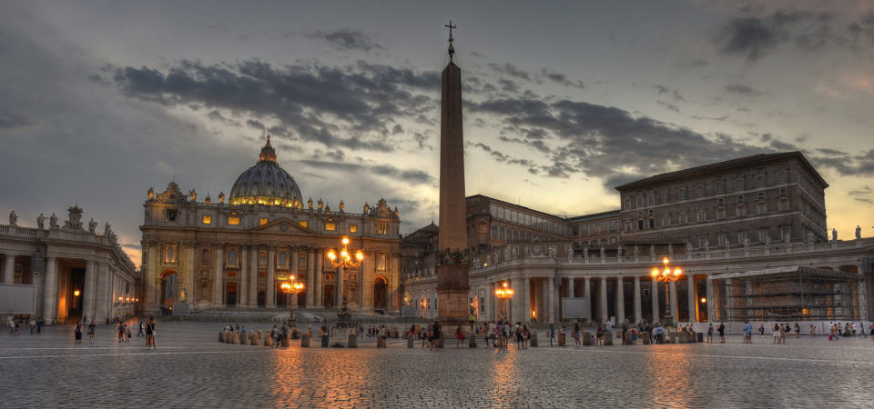 The Lights Come On After Sunset at St. Peter's Basilica by Diana Robinson   Flickr   CC BY-NC-ND 2.0