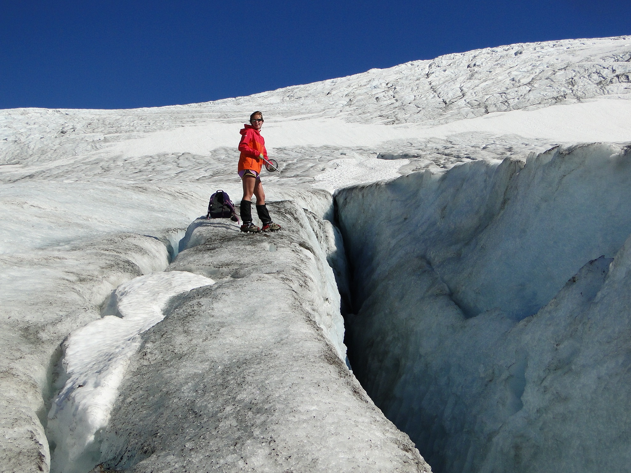 Jill Pelto conducting glaciological research.