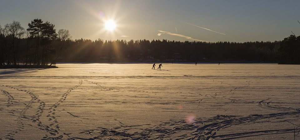 Ice Skating by Miska Saarikko | Flickr | CC BY-NC-ND 2.0
