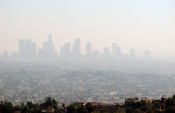 Los Angeles Smog by Ben Amstutz | Flickr | CC BY-NC 2.0