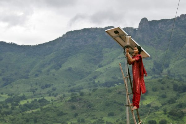 Off the grid, but on the up. Tinginaput, India by Abbie Trayler-Smith, Panos Pictures, DFID | Flickr | CC BY-NC-ND 2.0