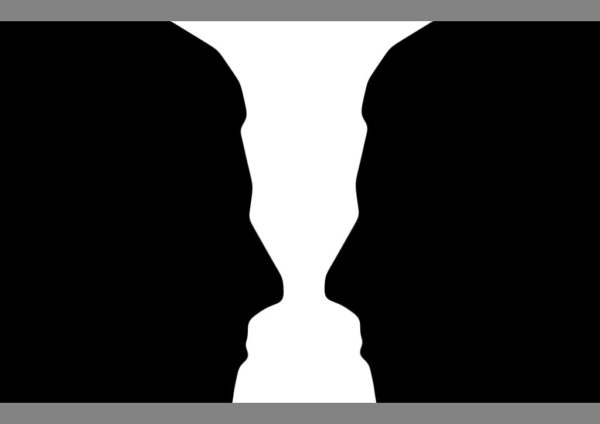 Illusion: Two_silhouette_profile_or_a_white_vase