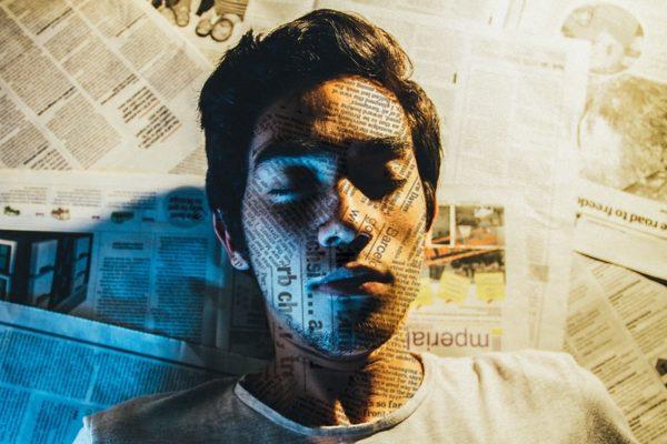 Man absorbing information by Leo Hidalgo