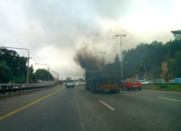 Truck and air pollution