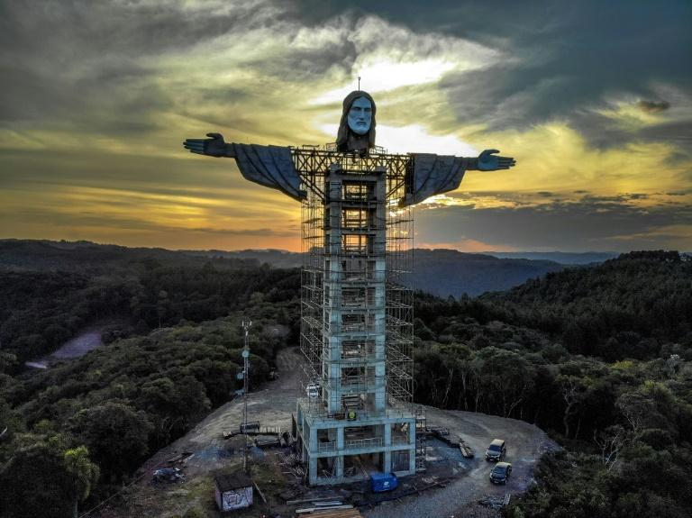 Christ statue under construction in Encantado, Rio Grande do Sul, Brazil (April 2021) © Silvio Avila